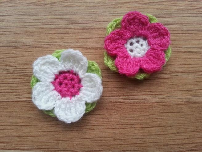 dreifarbige Blume | Strickwahn